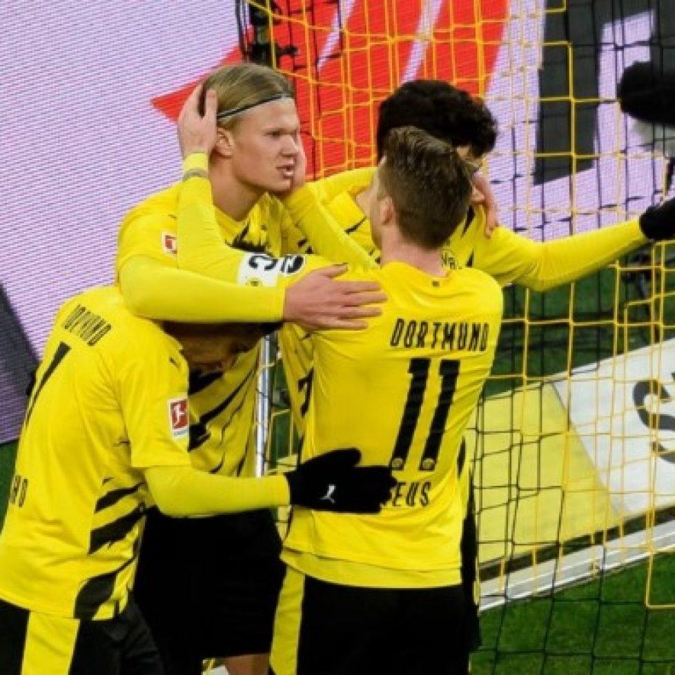Борусия Дортмунд победи с 3:1 Аугсбург bet365